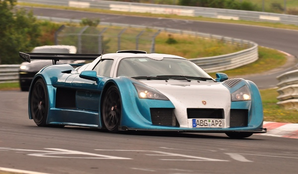 Тест-драйв гиперкаров Koenigsegg Agera и Gumpert Apollo Speed